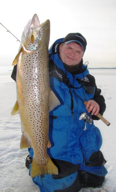 chequamegon bay ice fishing guides